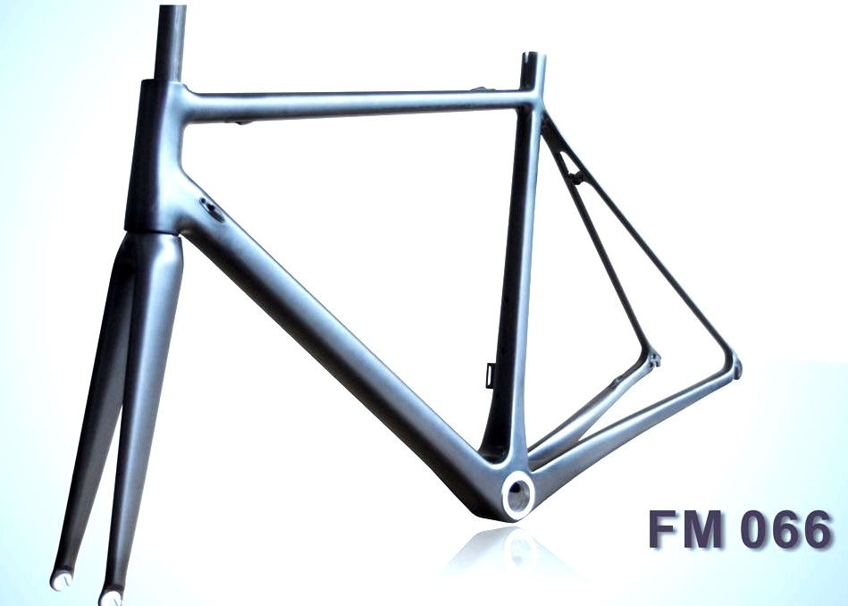 carbon-road-frame-fm066-superlight