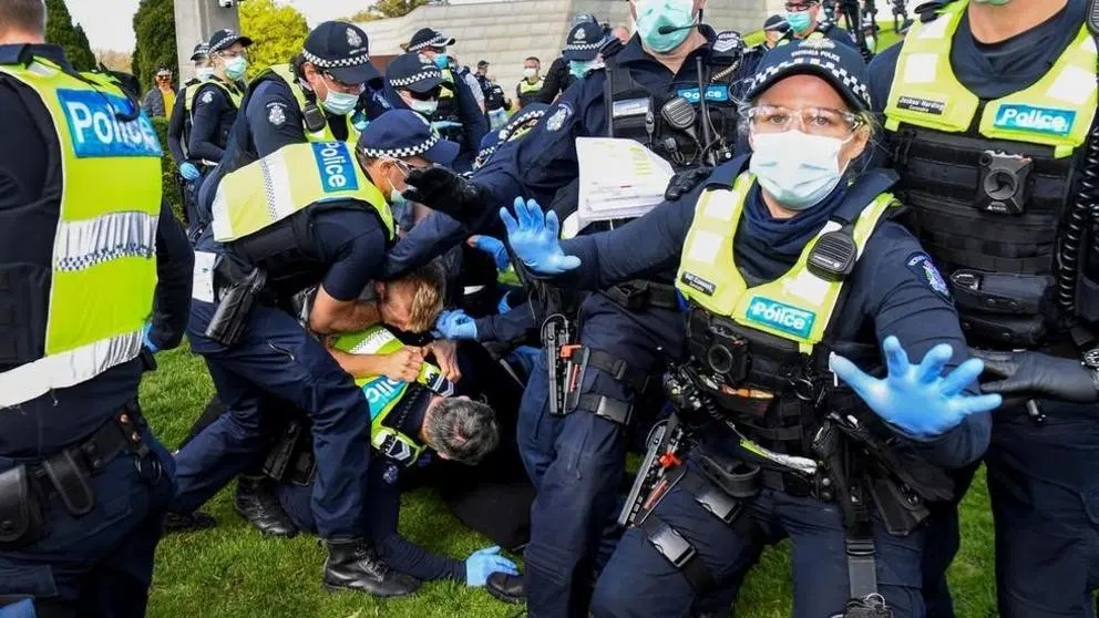 melbourne-police-clash-with-anti-lockdown-protesters