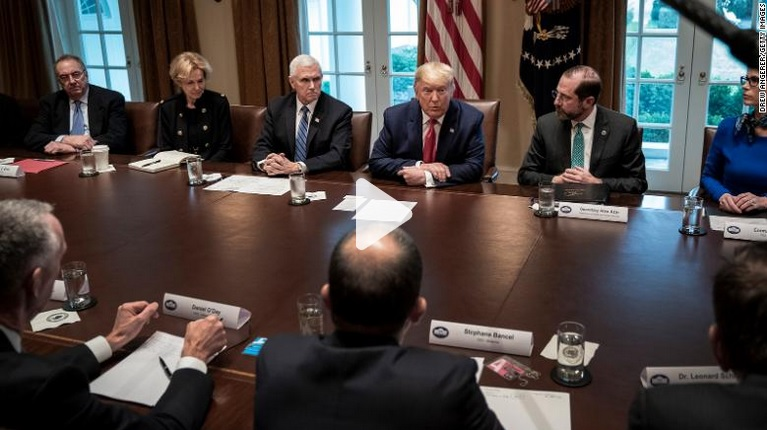 trump-whitehouse-vaccine-roundtable