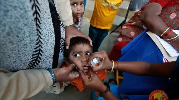 indian-child-being-vaccinated